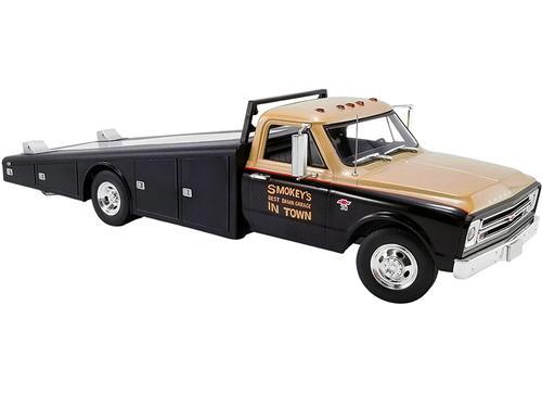 Chevrolet C-30 1967 Ramp Truck Smokey Yunick (April 19)