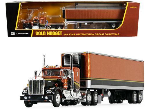 KENWORTH W900A W/VINTAGE REEFER TRAILER GOLD NUGGET