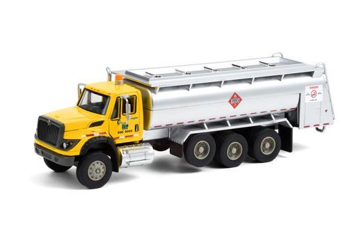 Pennsylvania Department of Transportation (PennDOT) - 2018 International WorkStar Tanker Truck