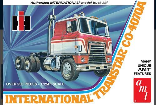 INTERNATIONAL TRANSTAR CO-4070A Cabover SEMI TRACTOR TRUCK 1/25