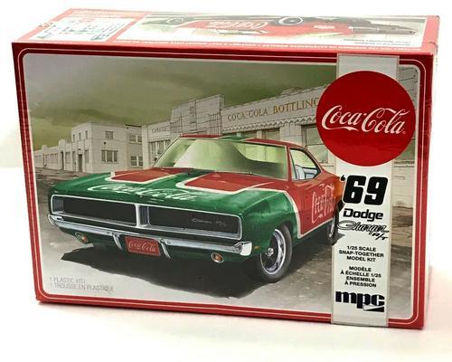 1:25 1969 Dodge Charger RT Coca Cola Plastic Model Kit