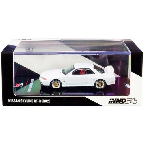 Nissan Skyline GT-R (R32) RHD with Extra Wheels