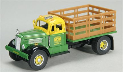 John Deere White WC22 Stakebed