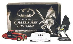 batmobile and figurine 1930 of Batman
