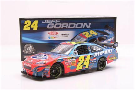 Jeff Gordon #24 DuPont 2008 Impala SS