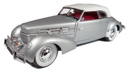 Cord  812 Supercharged 1937 *last one: two marks on roof*