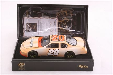 Tony Stewart #20 Home Depot / Track Tested 2007 Monte Carlo SS Owners Elite