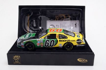 Carl Edwards #60 Scotts Busch Champion 2007 Fusion Owners Elite