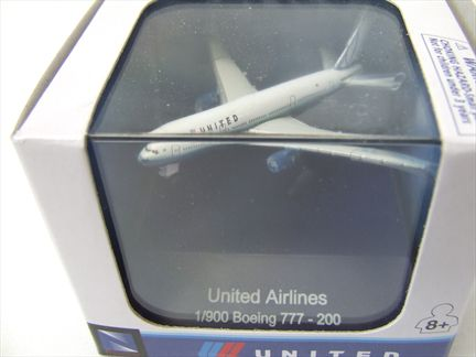 Boeing 777-200 United Airlines