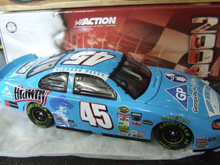 Kyle Petty #45 Dodge Intrepid 2004  Brawny
