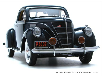 Lincoln Zephy 1937 V-12