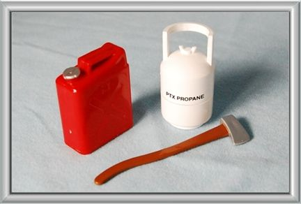 Accessories Set (Axe, Jerry can, Propane)