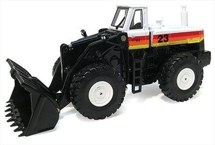 International Harvester -- 560 Wheel Loader