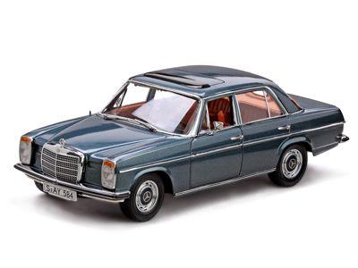 Mercedes-Benz Strich 8 Saloon